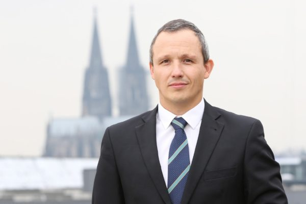 Prof. Dr. phil. Stefan Strauß