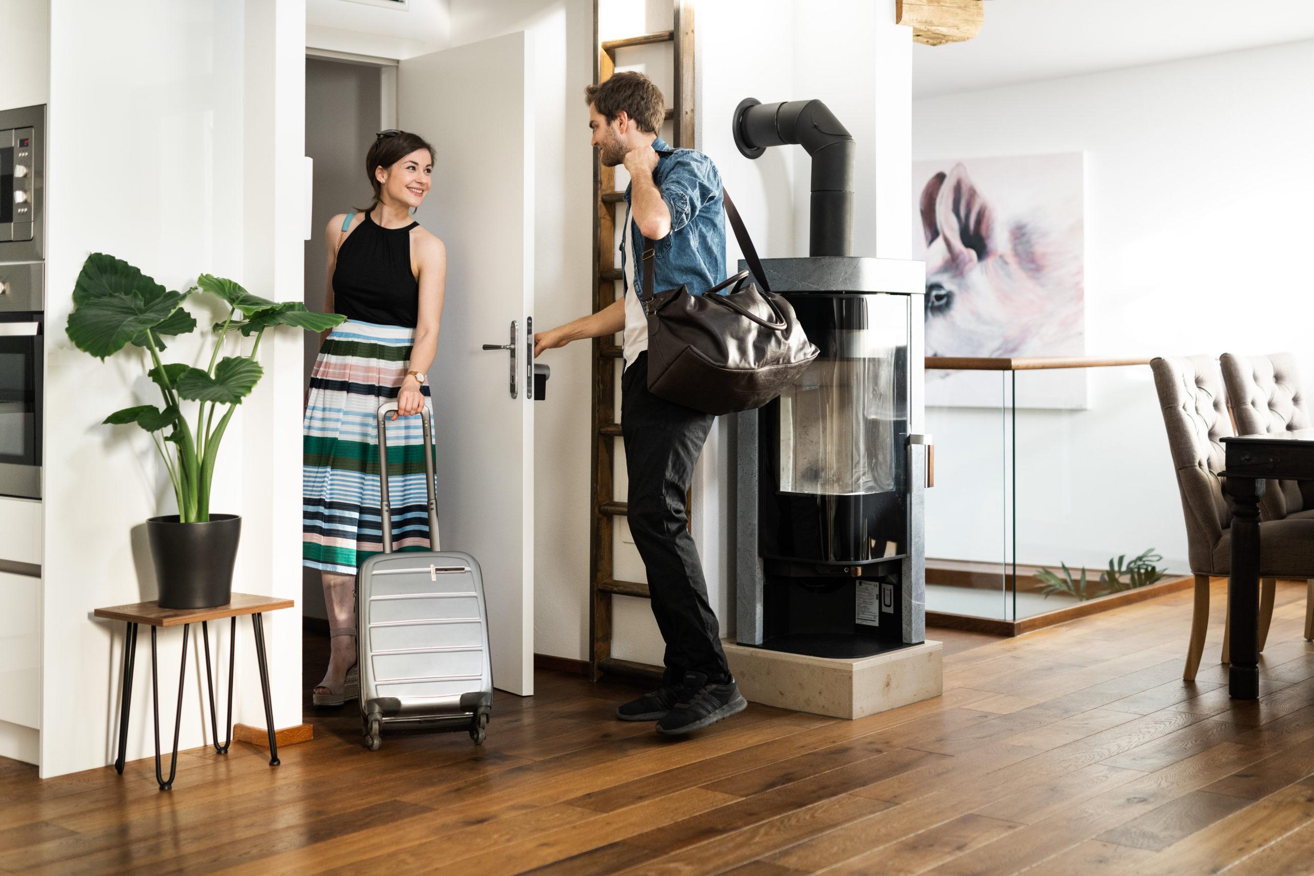 Airbnb Gäste beim Checkout nutzen Smart Lock von Nuki